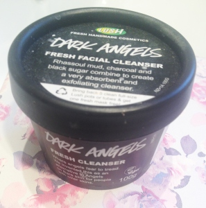 Lush Dark Angels Cleanser