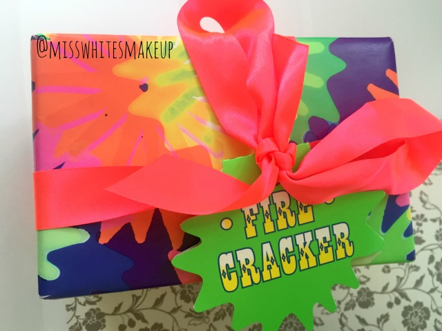Lush Firecracker Christmas Gift Set Bath Bomb