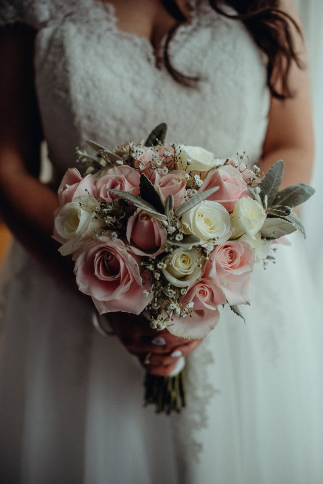 Wedding Bouquet Dunedin Bloomin Gorgeous Roses Gypsophila
